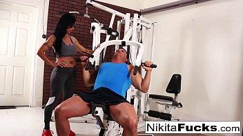 Nikita Von James joins a workout orgy with some hard bodies 7 min