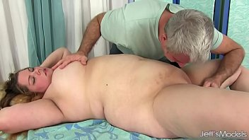 Sexy Fat Girl Baby Rose Gets Her Body, Twat and Ass Massaged صورة