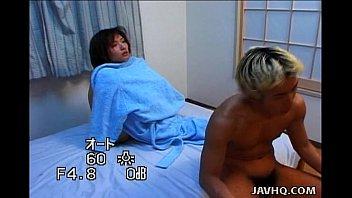Japanese sweetie Hitomi Ikeno fucked uncensored 6 min