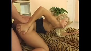 Two lesbians Veronika Carso ana Dorina decided to try out new toys