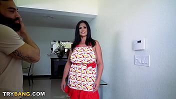 Big Tits MILF Kailani Kai Thanksgiving Special