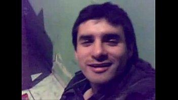 Chico chileno ebrio muestra la pinga thumbnail