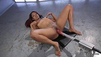 Big booty ebony squirter gets machine 5分钟