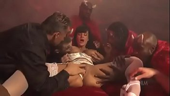 Mega virgin dick - Yet another gangbang for mega skank lisa ann