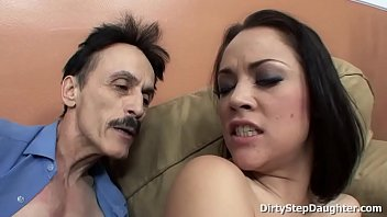 Kristina Rose showing her blowjob and fucking skills to her horny stepdad 12分钟