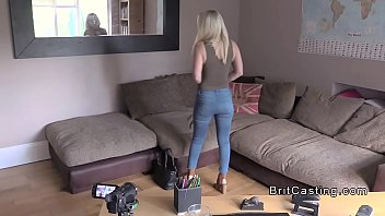 Blonde rimming British fake agent in office porno izle