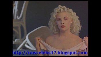 Sherilyn Fenn nudescene - http://rawcelebs47.blogspot.com/