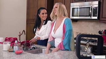 Mature Lesbian Lovers - Julia Ann and Tia Cyrus - Girlsway