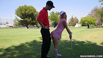 Amateur golfers asscociation - Sexy golfer girl gets on her knees for dick