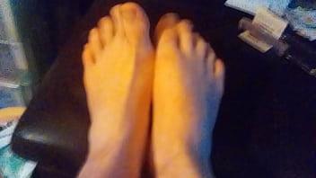 Stinky feet showoff