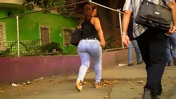 Culona madurita en la calle's Thumb