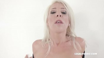 Blonde MILF Nikyta comes back to have more sex Image