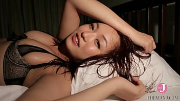 A beautiful girl in sexy underwear gets messed up in bed-Mayumi Yamanaka [bmay-008]