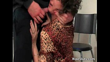 Horny busty mature slut gets wet pussy pornhub video