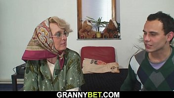 Old grandma pleases an younger guy porno izle