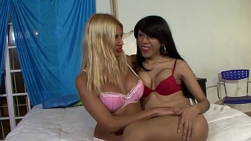 Gorgeous Transsexuals Fucking Each Other!