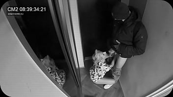 Hidden camera - wife sucked the postman while husband in the next door. European traditions.