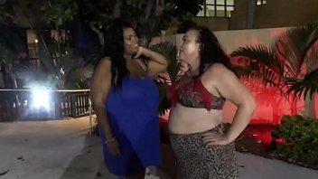 Amazing's BBW 3some 3 min