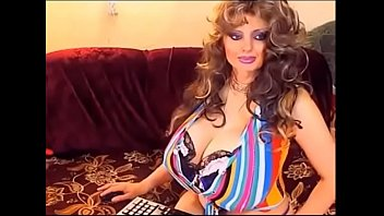 big tits busty milf-gain 3 per minute working from home on l