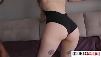Big tittied Arabelle Raphael gives sloppy fucking deep throat to John Johnson