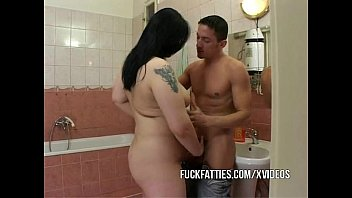 Fat sarry tits - Fat girlfriend fucked inside a bathroom