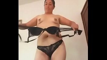 Miriam Flores selling her ass