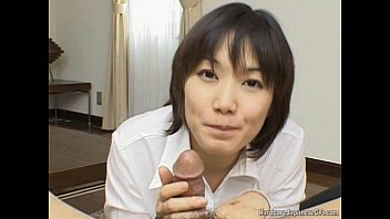 Alluring And Kinky Japanese Cutie Giving Head Seductively 5分钟