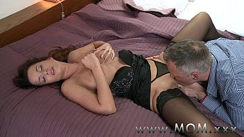 Ten dollar blow job - Mom horny brunette loves getting dirty