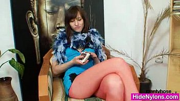 Fetish free gallery hose pantie - Euro beauty alice got super legs and hot red nylon tights