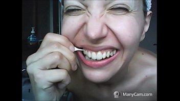 beautiful face, but rotten teeth! صورة