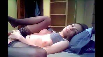 Morra se masturba ricolin