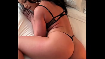 Streaming Video Hot brunette gave all 3 HOLES to a hung Hotel Concierge - XLXX.video
