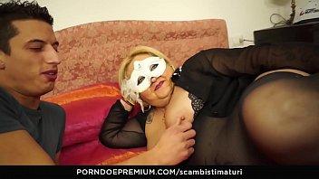 scambisti maturi - blonde italian bbw is the perfect newbie