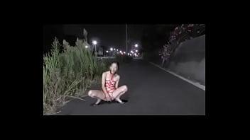 Taiwan girl squirt on the road - taiwancamgirls.com