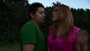 Sexy Colombian gives oral sex to her boyfriend and fucks until making him cum