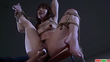 Rina Uchimura gets pussy stimulated in raw bondage - More at Japanesemamas com 12分钟