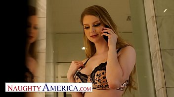 Naughty America - Bunny Colby orders her some delicious cock 12分钟