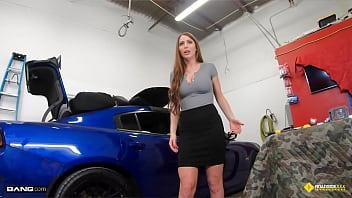 Roadside - Big Tits MILF Gets Fucked By Her Car Mechanic