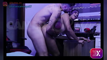 Video Caseiro Amador - Lunna Vaz dando seu cuzinho pela segunda vez pro Lucao e leva gozada na bunda