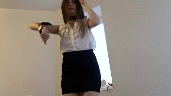 schoolgirl lifted her skirt and showed her ass after school