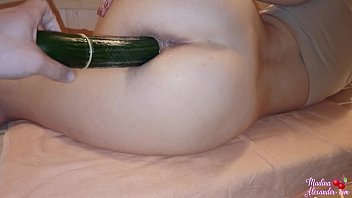 Streaming Video Hot Housewife Passionate Masturbate Cucumber - Squirt - XLXX.video