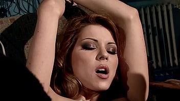遇到麻烦的美丽,在她的主人的控制下。 第2部分。华丽的辛迪·霍普 表现得像唐娜(prima donna)。 好久不... 12分钟