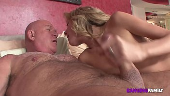 Banging Family - Dirty Step-Dad Catches Daughter Nude Modeling and Punishes Her porno izle