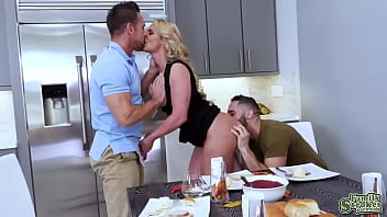 Johnny Castle and Damon Dice double penetrates Phoenix Marie 8分钟