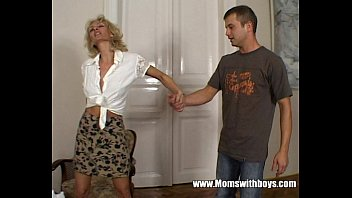Milfs seduces young boy Hot horny cougar seduces young boy