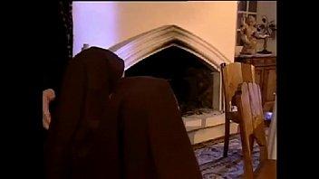 Dos monjas haciendo penitencias...anal 8 min