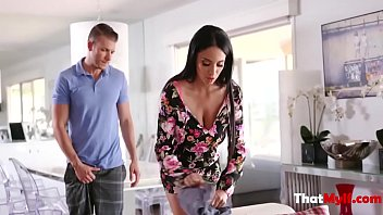 Foreign Mom Doesn't Approve Son's Girlfriendanissa Kate