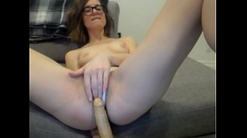 sexxxy babe dildos pussy cute on webcam cums laughs - Sexxxywebcamgirls.com