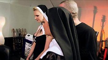Perverted orgy with catholic nuns - Vatikan Hardcore 31分钟