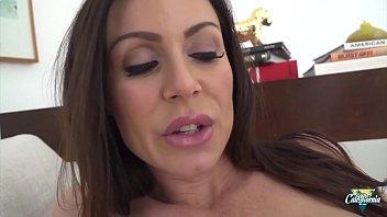 Kendra Lust, des seins énormes et une bouche d'enfer